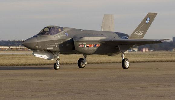Avião de combate F35 desenvolvido pela TAI em parceria governos com diversos países