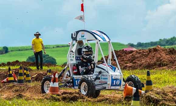 Carro desenvolvido pelos estudante de engenharia da UFMG venceram a competição Baja 2014/2015