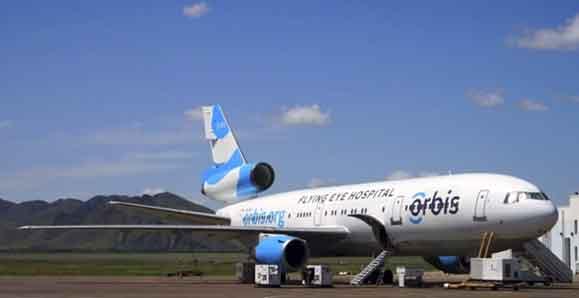 Flying Eye Hospitals, avião adaptado para a Orbis salvar comunidades pobres da cegueira